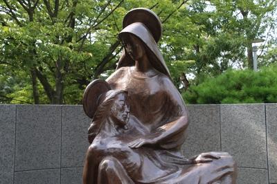 자비로우신 예수님 동산의 피에타상.