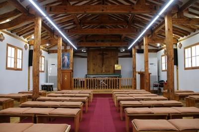 대표적인 한식 목조 건축물로 평가받고 있는 성당 내부.