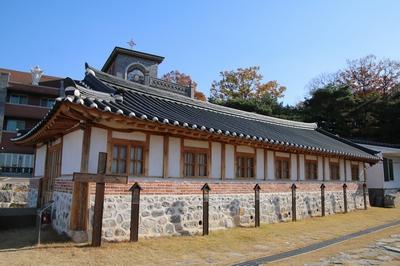행주 성당은 2010년 근대문화유산 등록문화재 제455호로 지정되었다. 2015년 복원공사를 통해 옛 모습을 되찾았다.