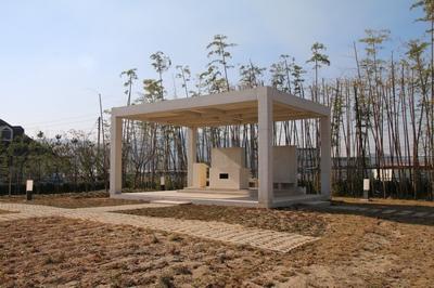 대산 성당 마당에 조성한 희망의 동산에는 복자 구한선 타대오의 유해 일부를 모신 기념제단이 세워졌다.