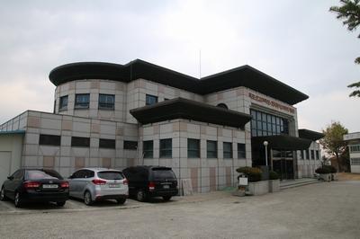 목포 선교 100주년과 한국 레지오 마리애 도입을 기념해 1998년 축복식을 가진 기념관. 현재 전시 기능은 가톨릭목포성지 역사박물관으로 변경되었다.
