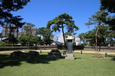 구산 성지 순교자 묘역.