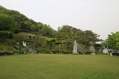 단내 성가정성지의 성가정 광장.